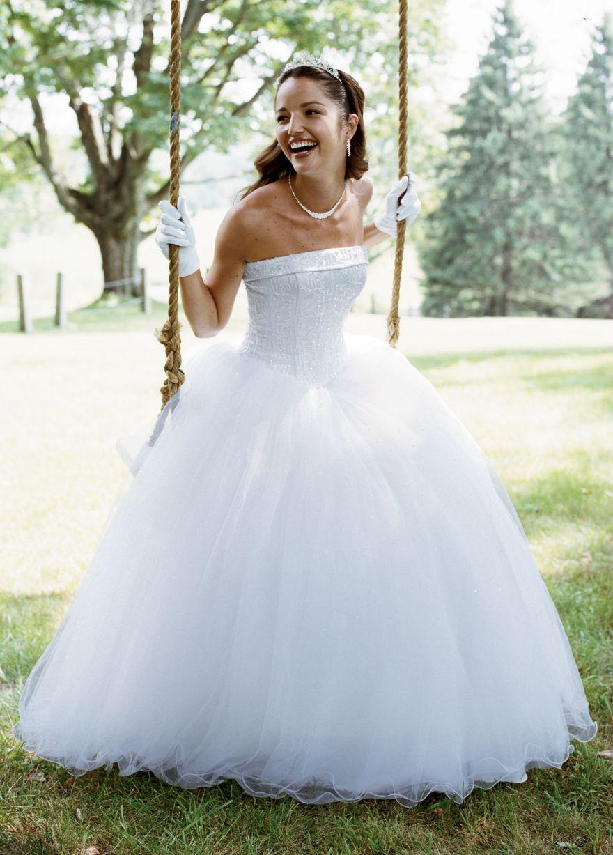 David\'s Bridal David\'s Bridal T8017 Size 3 Wedding Dress | Tulle ...