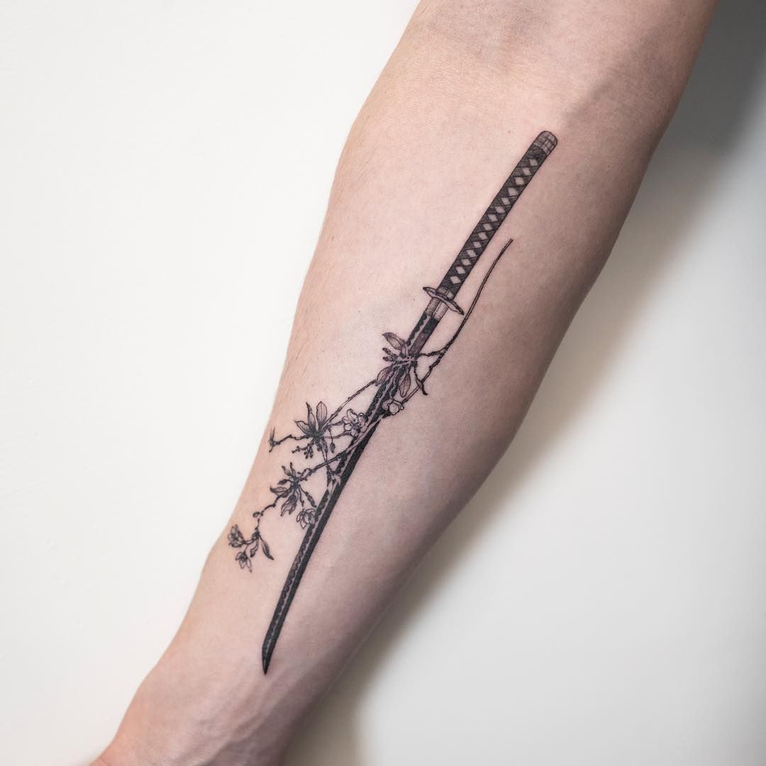 Roronoa Zoro, Shusui | Japanese tattoo, One piece tattoos ...