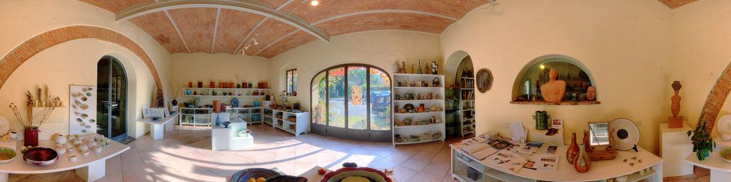 The Beautiful Gallery At La Meridiana International School Of Ceramic Arts In Tuscany Displays Work By Founder A Tuscan Landscaping Ceramic Artists Ceramic Art