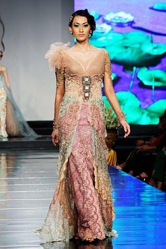 Modern Kebaya Glitter Glitz Glamour Kebaya Model Kebaya Und