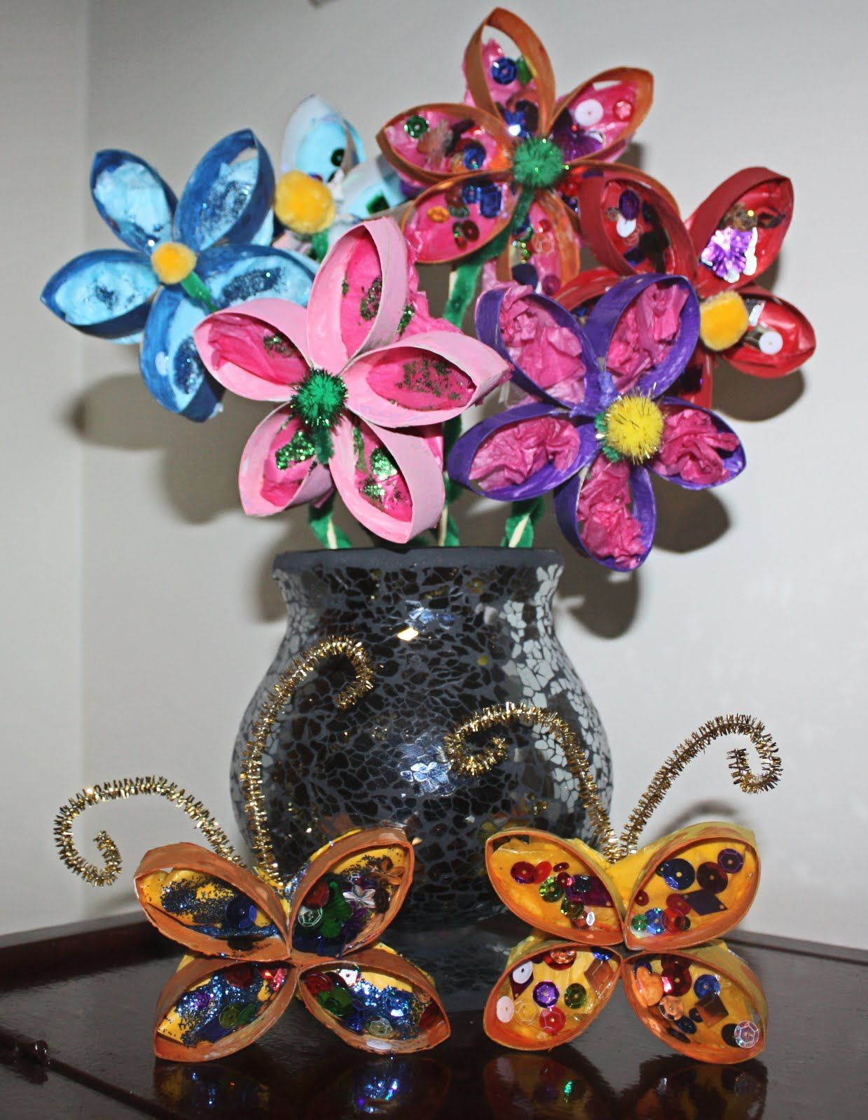 Inspiration surrounds creativity abounds upcycling the humble toilet paper paper towel roll flowers and butterflies jeuxipadfo Images
