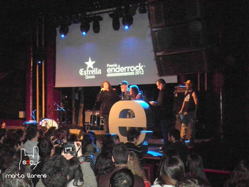 """Gerard Quintana, """"Cuco"""" Lisicic i Jaume Soler """"Peck"""" recollint el premi EDR 2012 al millor DVD"""