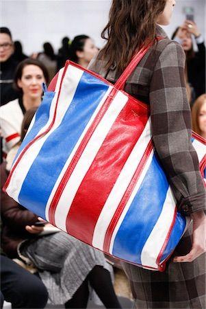 秋の旅バッグはウエストポーチビッグサイズで決まりビッグサイズ編