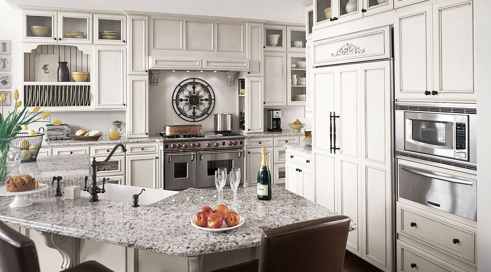 Exceptional I Believe The Counters In This Picture Are Luna Pearl Granite, And Theyu0027re