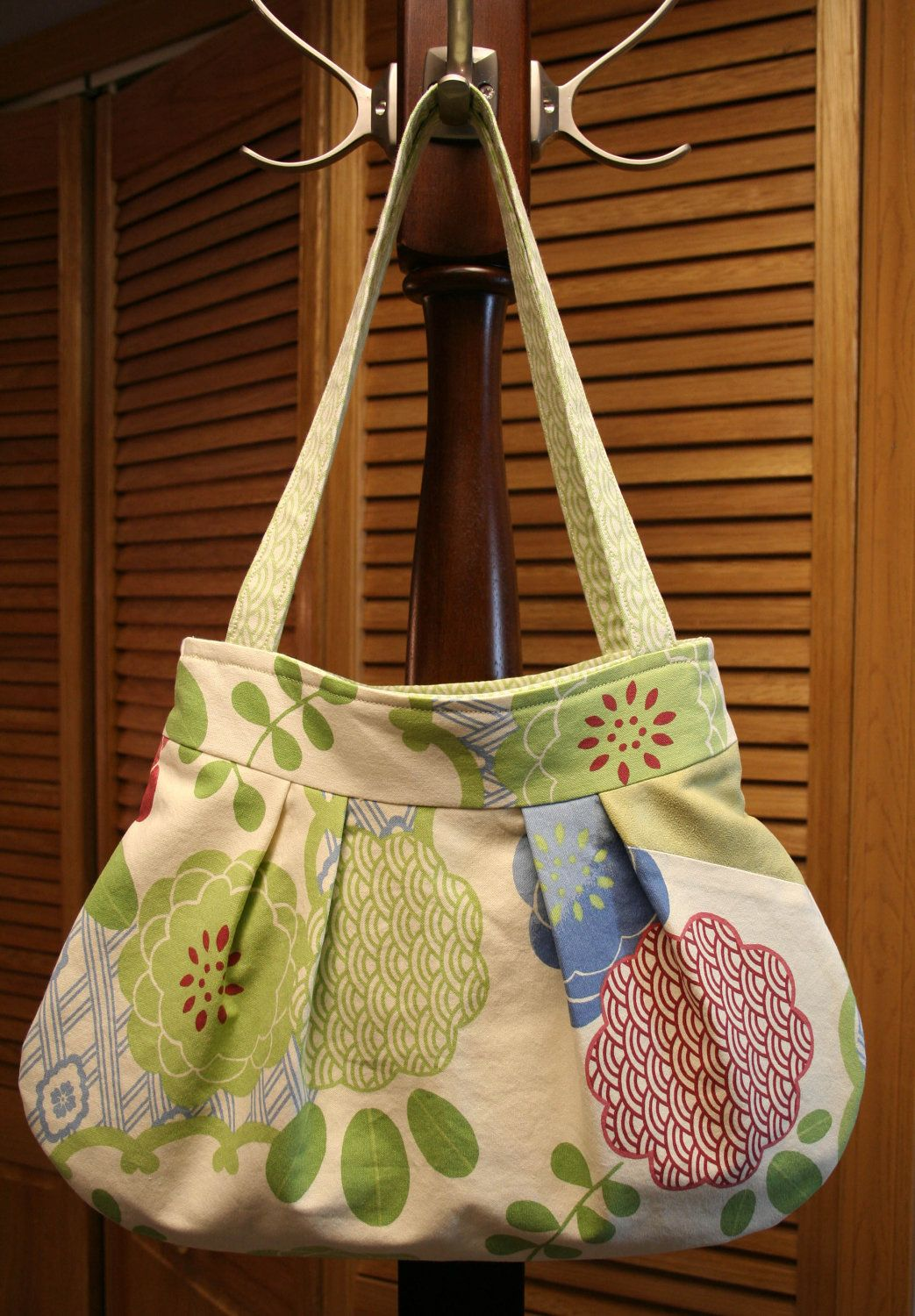 Cotton Canvas Pleated Lined Shoulder Bag / by SewMuchCuteness, $38.00