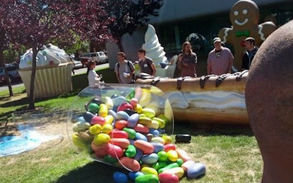 Google Confirms Jelly Bean Platform By Adding Delicious Statue to Campus Lawn #Google #Android