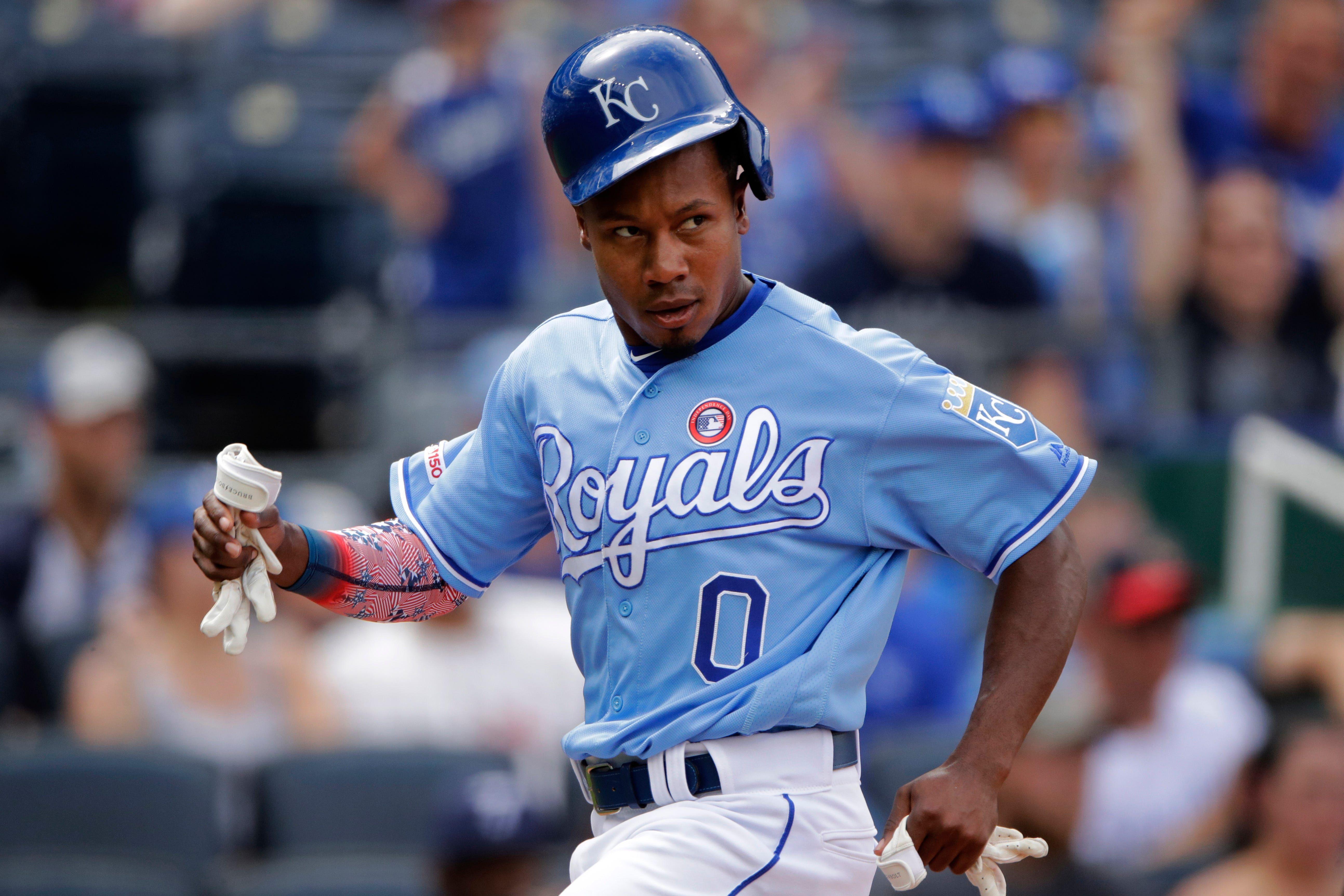 Lindor Ramirez help Indians sweep Royals with 84 clincher