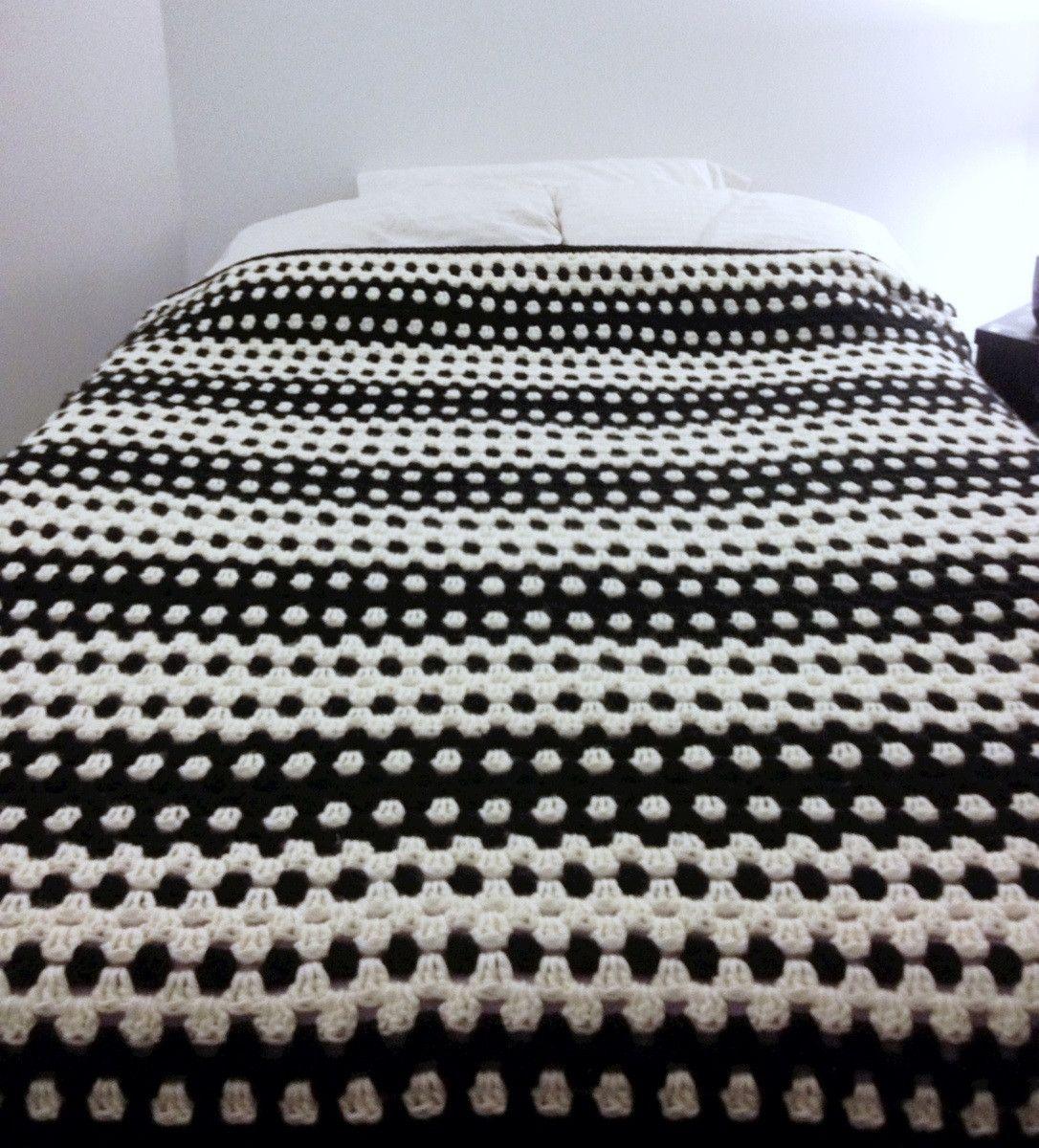 Granny Stripe Blanket 6 5 Hook Held Double Stranded 2 Rows White 1 Row Black Granny Stripe Blanket Striped Crochet Blanket Crochet Blanket Patterns