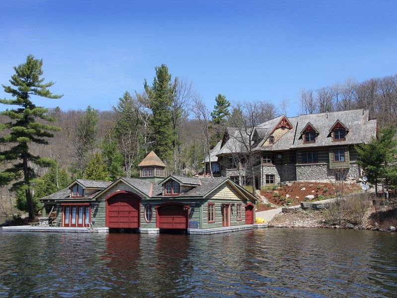 Rustic lake house muskoka ontario canada for Home designs ontario