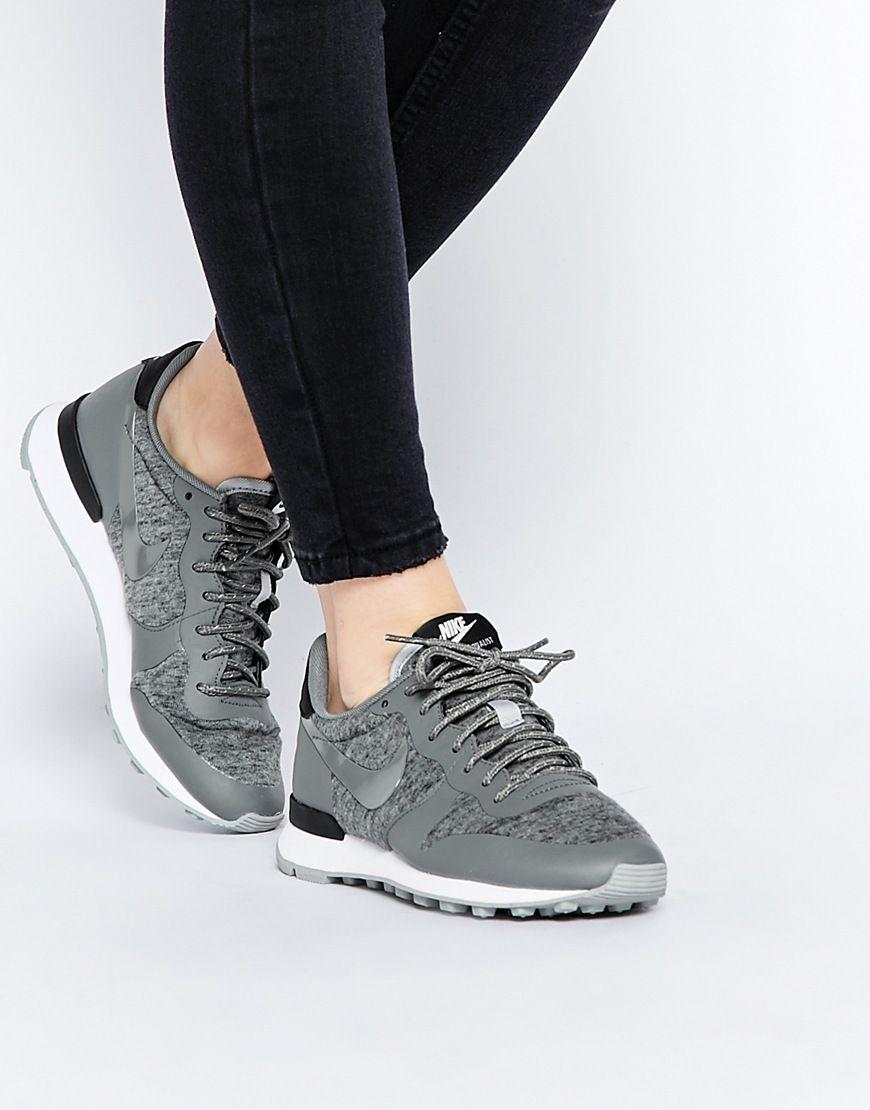 Nike Internationalist Se W chaussures violet