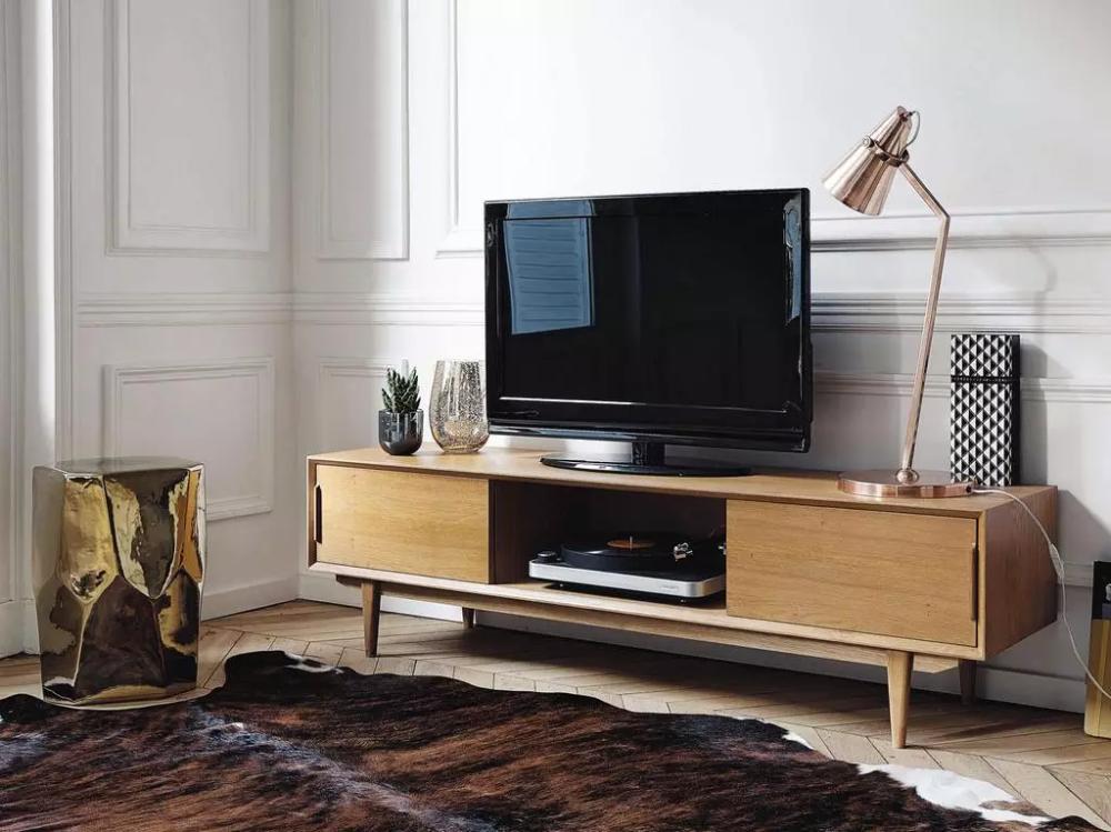 Les Meubles Vintage Annees 60 De Maisons Du Monde Joli Place En 2020 Meuble Tv Maison Du Monde Mobilier De Salon Tv Vintage