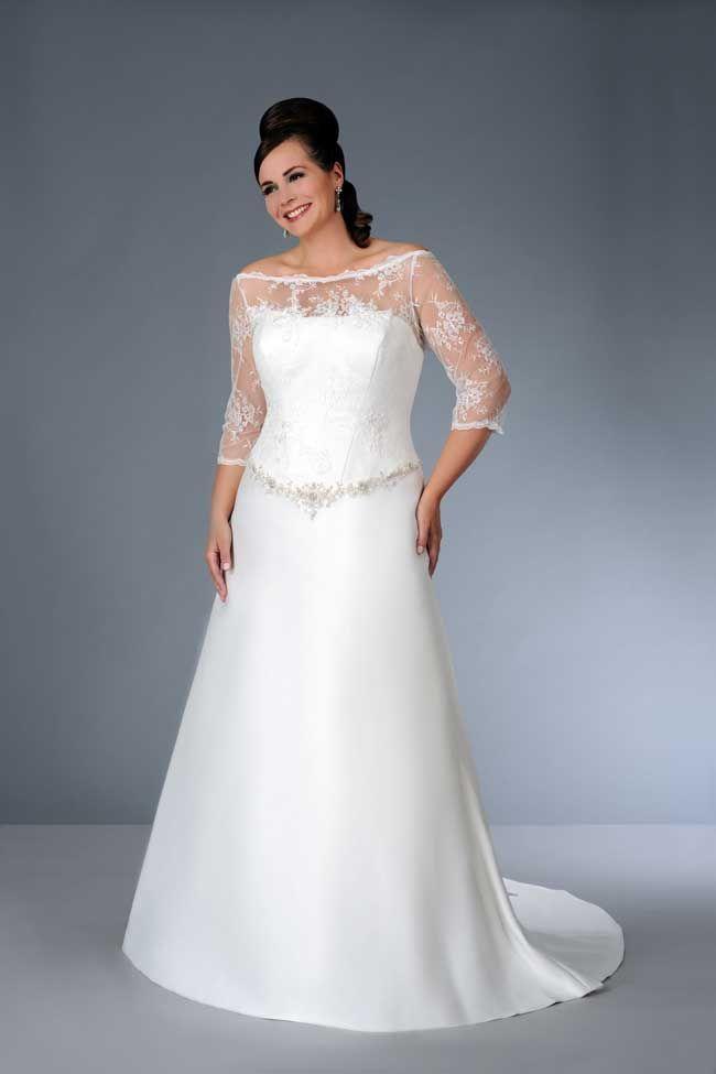 8 Essential Wedding Dress Shopping Tips For Curvy Brides Quarter Length Sleeve Wedding Dress Ball Gown Wedding Dress Short Wedding Dress
