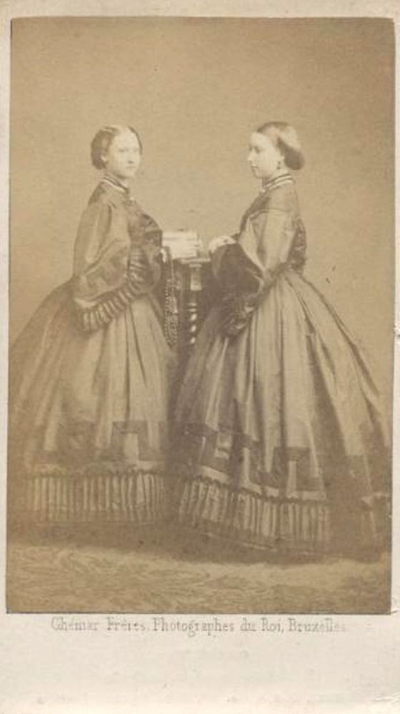 PORTRAIT OF PRINCESS LOUISA AND HELENA IN BEAUTIFUL DRESSES. CDV