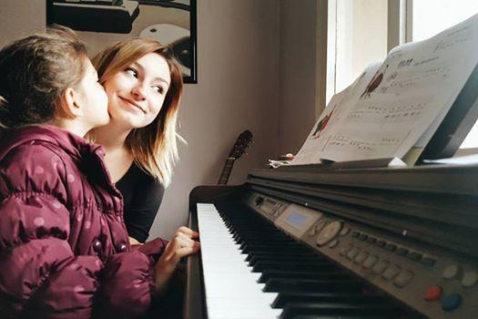 http://rapsodisanat.com/piyano-kursu-izmir/ Sevgi, paylaşınca güzel bir de müzik varsa şahane! 🎶