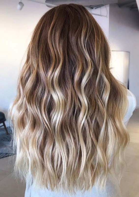 Gorgeous Beach Waves Hair Looks with Balayage Highlights in 2019   Absurd Styles -   12 hair Beach night ideas