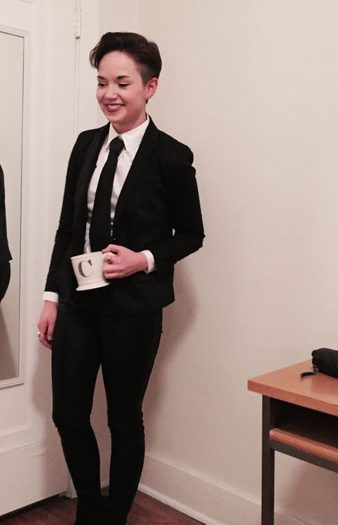 queer-couture: If Special Agent Dale Cooper was a lesbian. | Prom ...