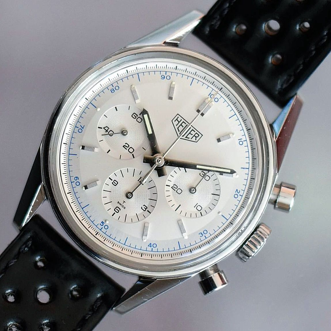 The Re Edition Done Right Heuer Carrera Cs3110 From 1996 By Chronoquest Tagheuer Calibre11 Heuer Heuercarrera Watches For Men Tag Heuer Timeless Watches