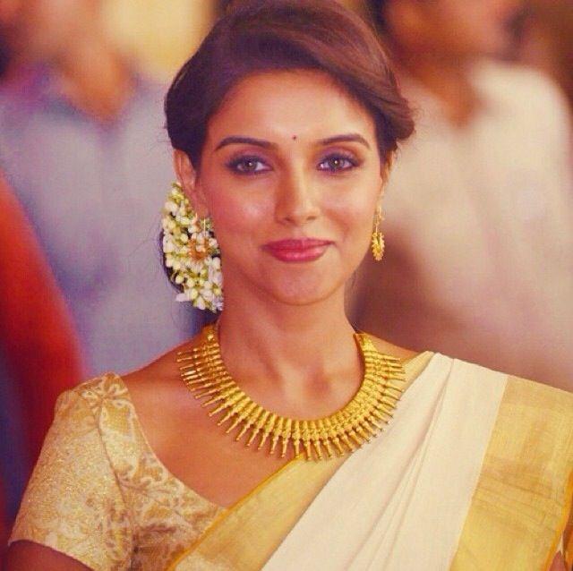 Marathi Bridal Hairstyle : Marathi bride dream wedding brides and kerala