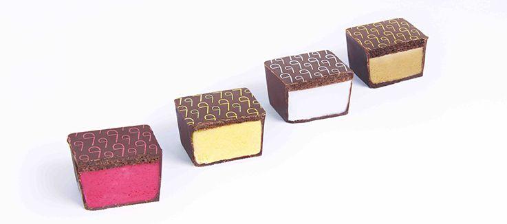Chocolate + Ice cream = delicious dessert! #FoodAndTheCity http://blog-and-the-city.com/un-dessert-pour-les-amateurs-de-chocolat-et-creme-glacee/