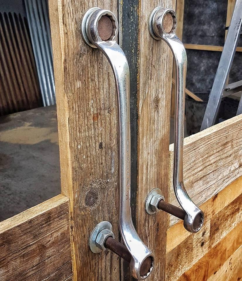 45 Stunning And Unique Door Handle Ideas For Your Stylish Homes Door Handles Diy Door Garage Door Design