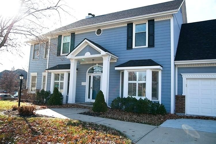 Painting Vinyl Siding And The Best Exterior White The Makerista Best House Siding Cheap House Siding Vinyl Siding Painting Vinyl Siding Cheap Houses