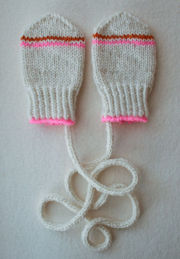 Infant Mittens, these are adorable - step-by-step instructions with ...