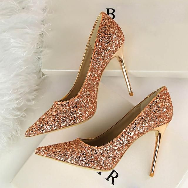 2018 Women 9cm Thin High Heels Sexy Glitter Bright Scarpins Pumps Female  Stiletto Wedding Bridal Gold Silver Red Valentine Shoes 11118d9ae1db