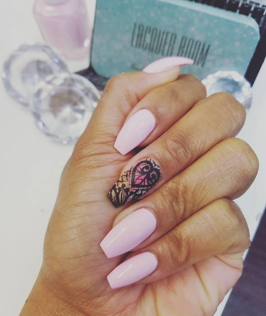 #LacquerRoom #nails #nailart #nailswag #naildesigns #nailstagram #freehand #coffinnails #abstractart #lace #bronxnailsalons #FunkyNailPolish