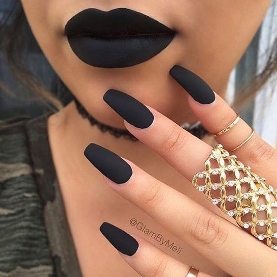 21 Matte Black Nails That Are Edgy Af Black Acrylic Nail Designs Black Acrylic Nails Best Acrylic Nails