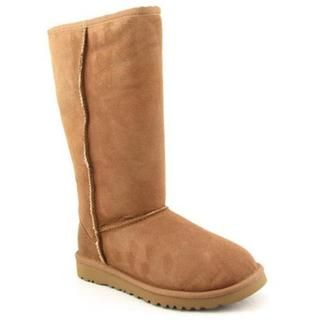 @Overstock - Enjoy the signature look of the UGG Classic Tall Bomber boots. Features a twin-face sheepskin upper with a suede heel guard and an adjustable cuff. Sheepskin lining offers plush comforthttp://www.overstock.com/Clothing-Shoes/Ugg-Australia-Womens-Classic-Tall-Regular-Suede-Boots/7607984/product.html?CID=214117 $214.59
