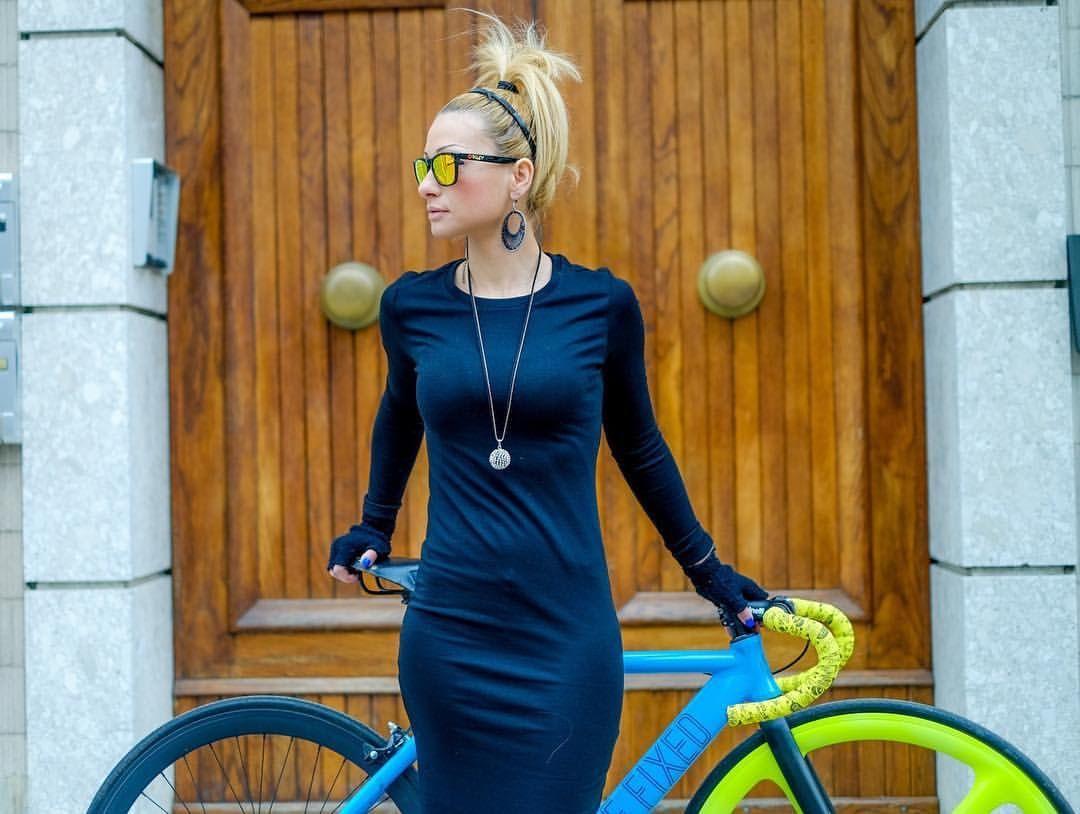 Razumichin uclong black dress and a dafne fixed ud sexy bike