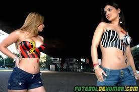 As belas irmãs Jéssica e Giselle Corrêa, 20 e 18 anos, respectivamente, são fanáticas por futebol desde pequenas e pretendem entrar para o Guiness Book (Livro dos Recordes)