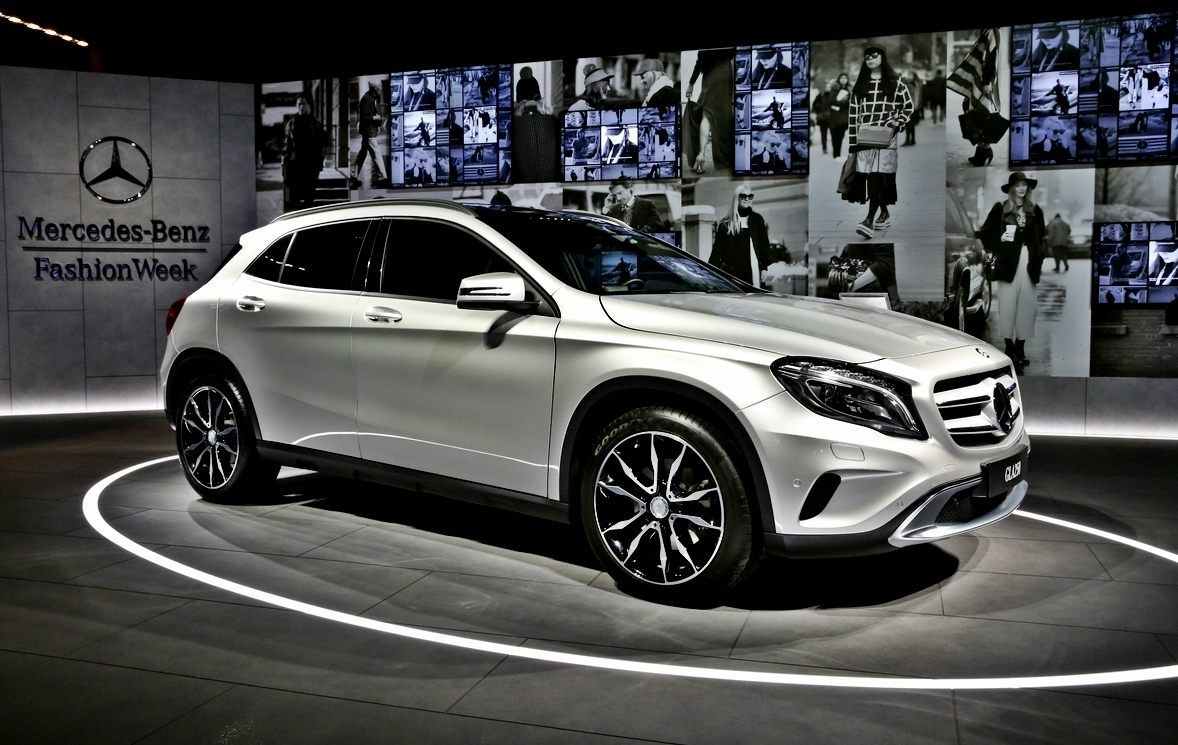Mercedes Benz Gla 2020 Spyshot Preview With Images Mercedes
