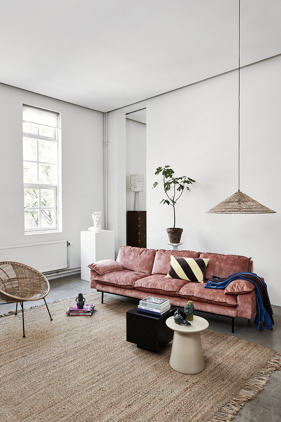 Sofa Hk Living Google Search Elegant Bedroom Decor Retro Sofa Log Home Interiors [ 1452 x 968 Pixel ]