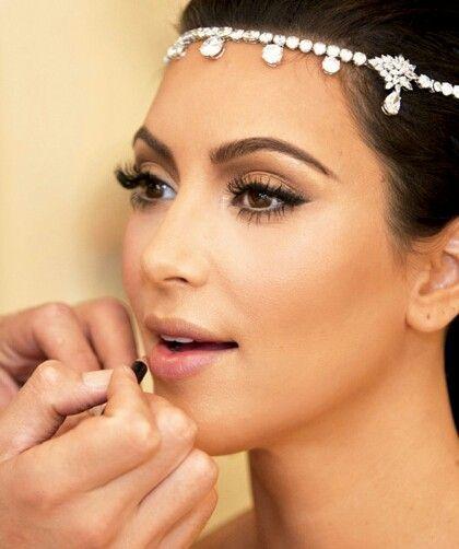 Kim Kardashian Makeup Tips Organizer Kardashian Wedding Kim Kardashian Wedding Bridal Makeup Tips