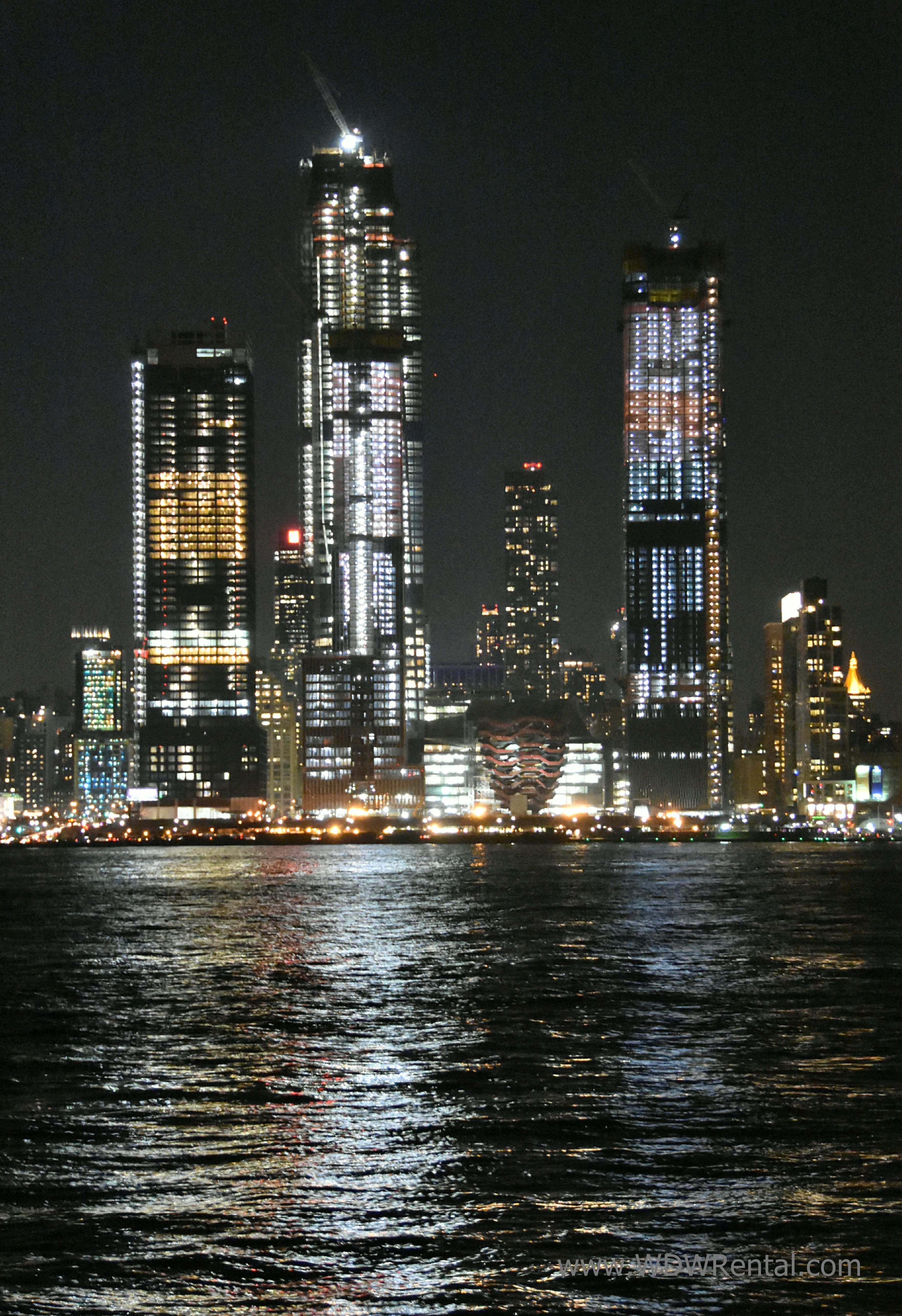 New York Ny City Skyline At Night As Taken From The Chart House Restaurant In Weehawken Nj - Vorhang New York Skyline