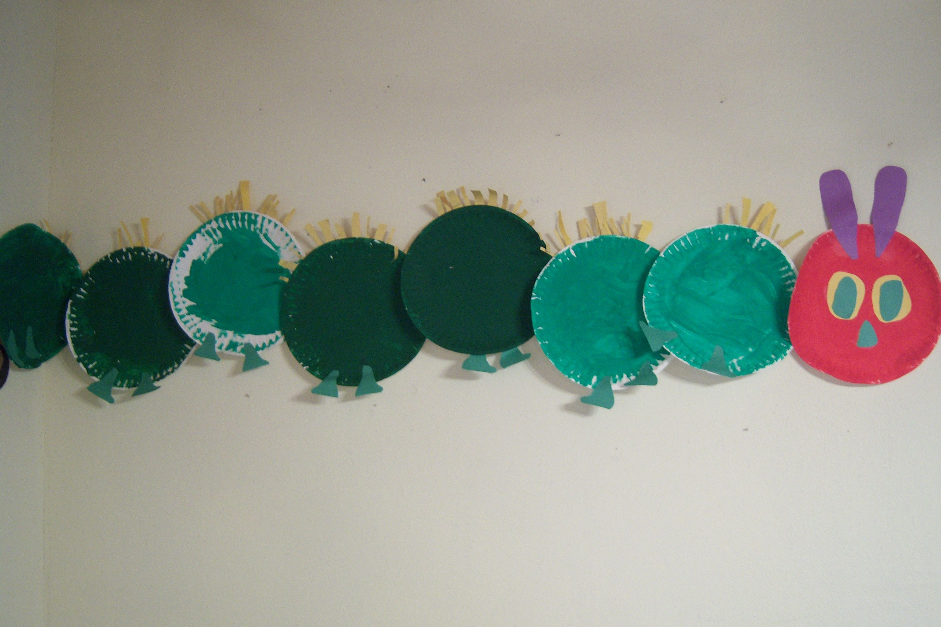 Paper plate Very Hungry Caterpillar & Paper plate Very Hungry Caterpillar | Spring - Holidays Crafts etc ...