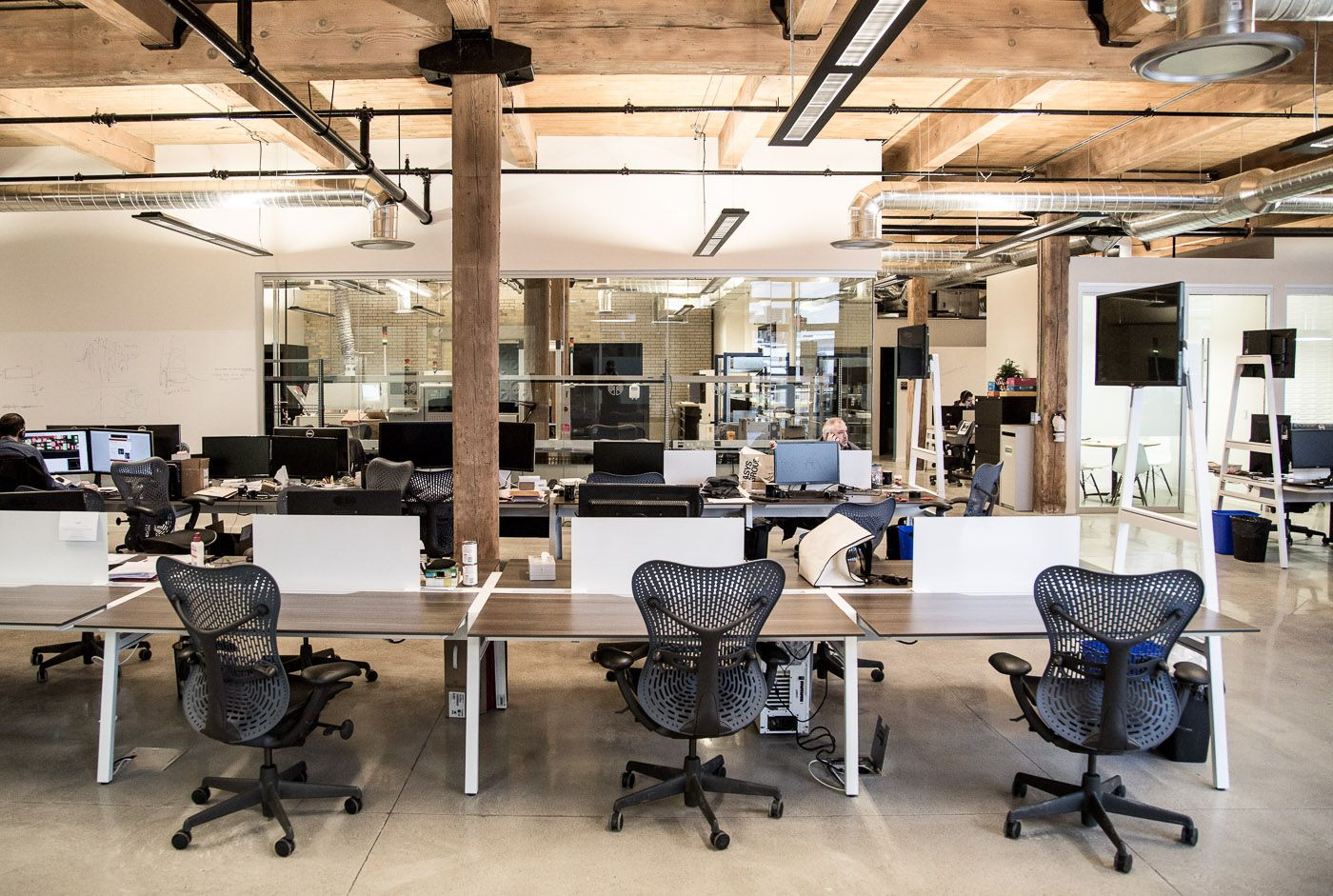 modern collaborative workspace - www.ofwllc | open plan office