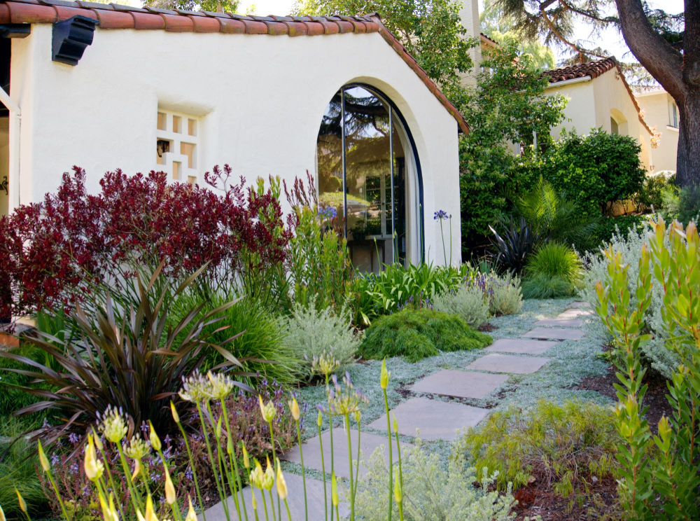 Spanish Revival Piedmont Garden Plant Stars Spanish Landscaping Spanish Backyard Spanish Revival
