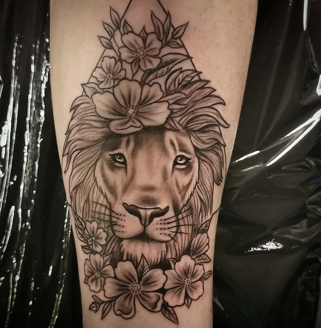 Lion Tattoo #realistictattoo #realistictattoos #realisticink #tattoo #tattoorealistic #tattoosleeve #tattooing...