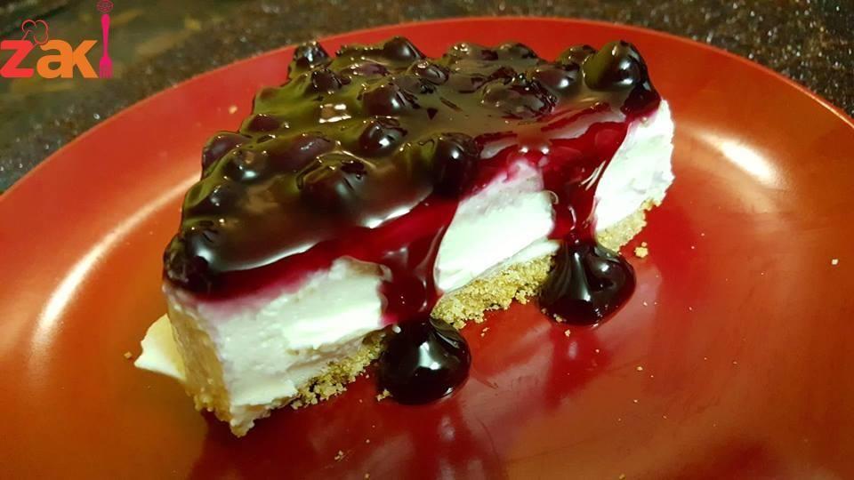 تشيز كيك ب10 دقائق فقط معكم صديقة زاكي المميزة الشيف حنان الراعي الطريقة اول طبقه باكيت بسكوت دايجستف أو أي نوع بسكويت سادة نصف قالب Food Desserts Cheesecake