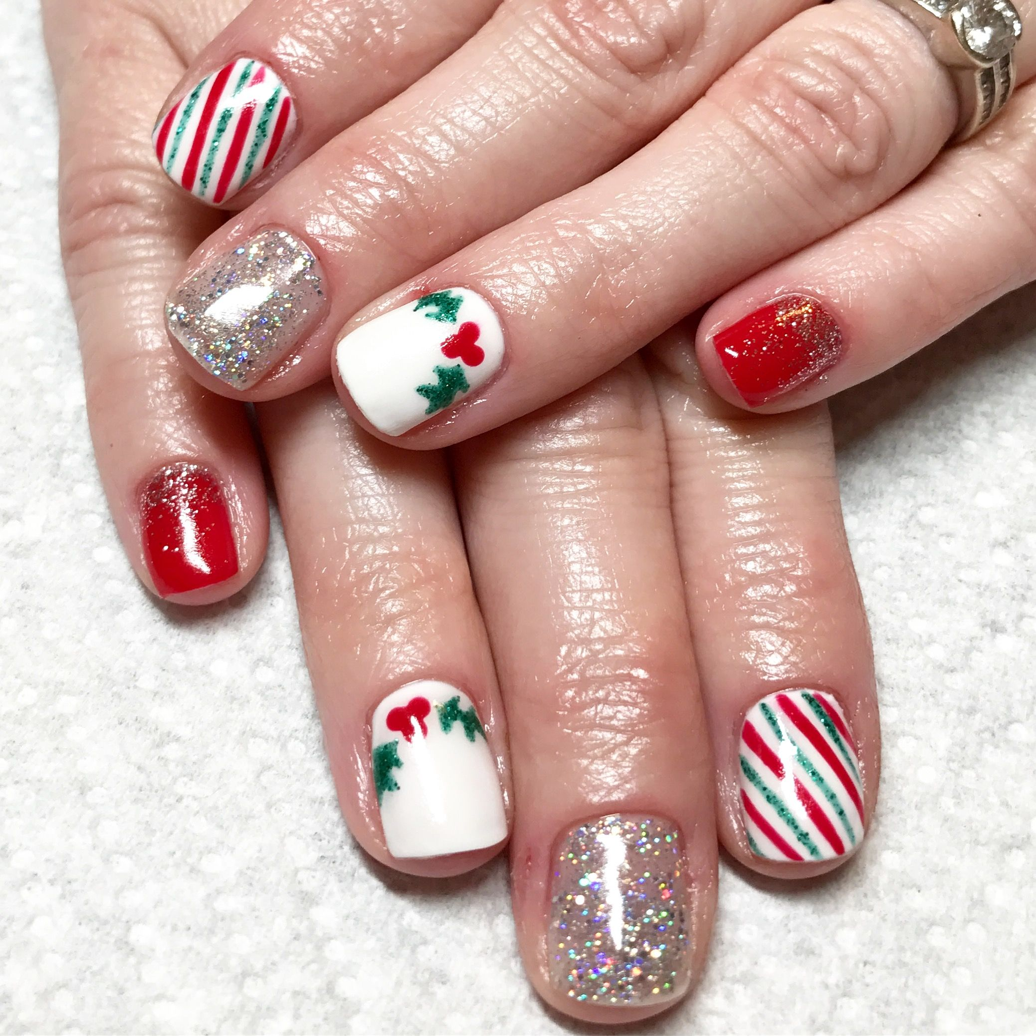 Christmas gel nails. Holly berry nails | Nails I\'ve done | Pinterest