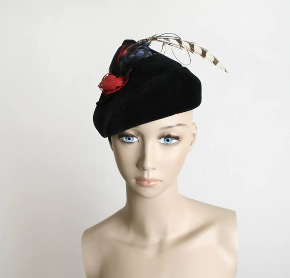 Vintage 1940s Hat - Red Bird Feather Hat - Black Velvet - Cone Point ... 1781eec8a97c