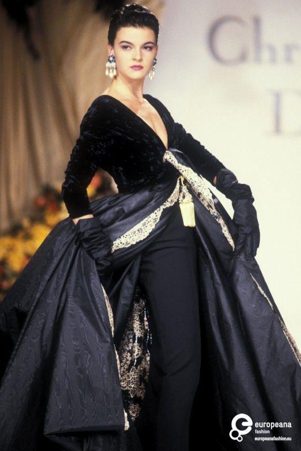 f9370feb8239 1990 Christian Dior, Autumn-Winter Couture   Fashion house