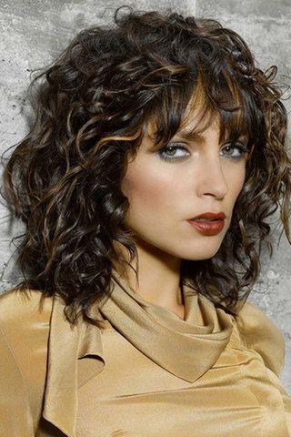 Frisur schulterlanges lockiges haar