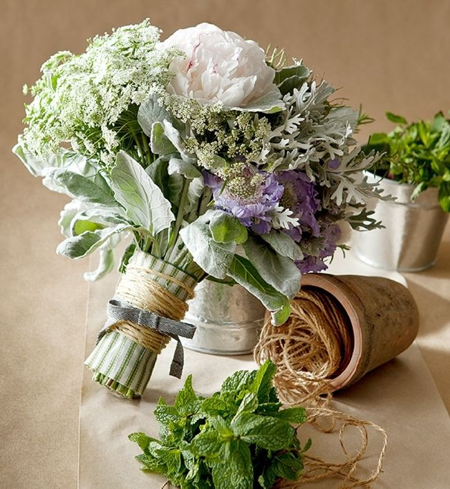 Sweet Violet Bride - http://sweetvioletbride.com/2013/10/dusty-miller-wedding-bouquet-inspiration/