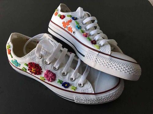 converse flores bordadas