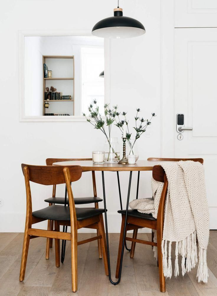 Minimal Dining Room Set Up With Wooden Table And Chairs Minimalist Dining Room Dining Room Small Modern Farmhouse Dining Room