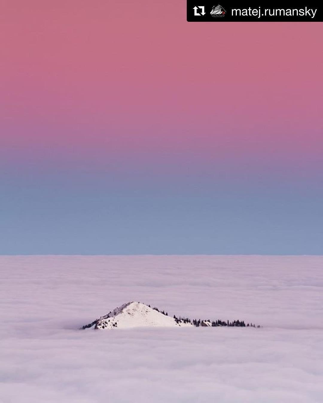 """A okrem virtuálnych vodopádov máme aj more s ostrovom  #praveslovenske od @matej.rumansky  """"Vanilla Sky . ."""" location: Siná PeakLow Tatras SLOVAKIA www.rumansky.com http://ift.tt/2km7Tio ......... #slovensko #slovakia #landscape #inversion #clouds #peak #mountains  #snow #winter #sky #nature #trees"""