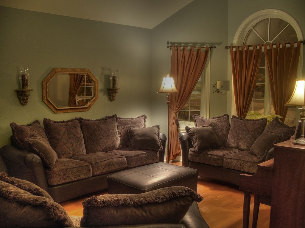 Green And Brown Living Room | ... modern living room ...